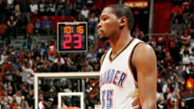 Kevin Durant suffers elbow bruise
