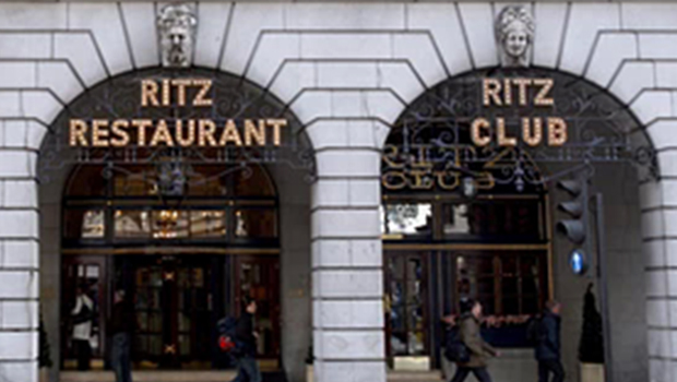 RITZ casino richer