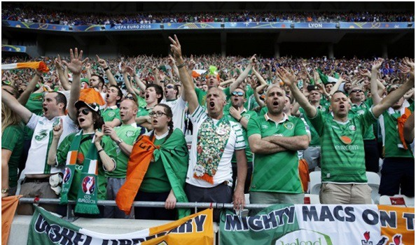 Irish football fans are going to be honoured by Mayor of Paris