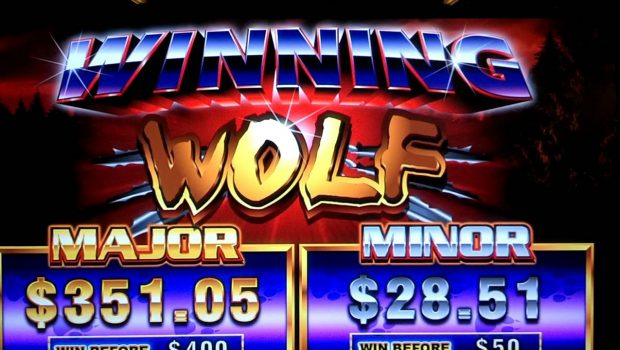 Winning Wolf Slot Machine