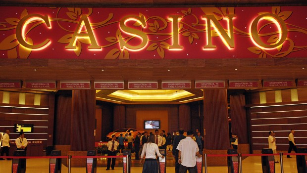 Singapore casinos down in 2016 – stagnation expected in 2017