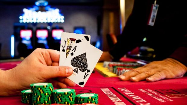 A group of hackers manages to predict the results of slot machines and casino poker