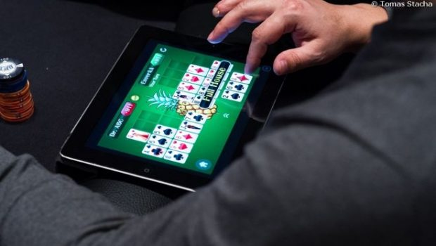5 Reasons why you must be enjoying online Poker