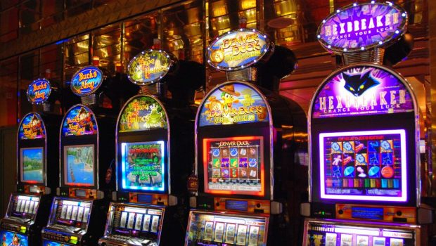 What Everybody Dislikes About Hot Android Apps for Slot Machine and Why