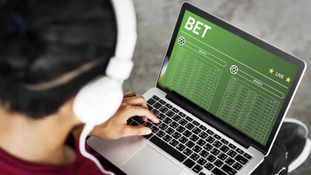 The Advantages of Place a Bet Online Anywhere