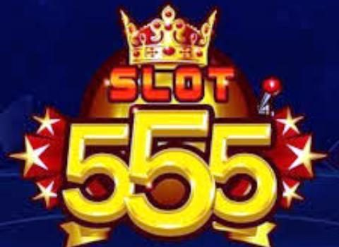 Thai police officers shut down Slot555 illegal online casino